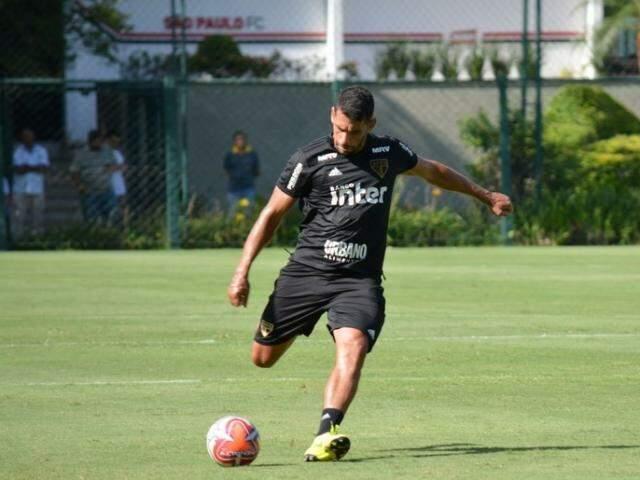Diego Souza durante treino do São Paulo (Foto: Érico Leonan/saopaulofc.net)