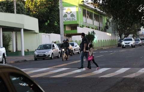 No trânsito marcado por abusos, a boa notícia vem da faixa de pedestre