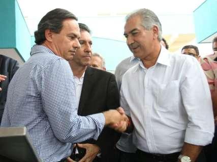 Em hospital, Reinaldo e Marquinhos não escondem aproximação