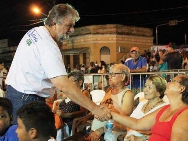Carlos Ruso é acusado de pagar mensalinho a vereadores em troca de apoio político. (Foto: Pérola News)