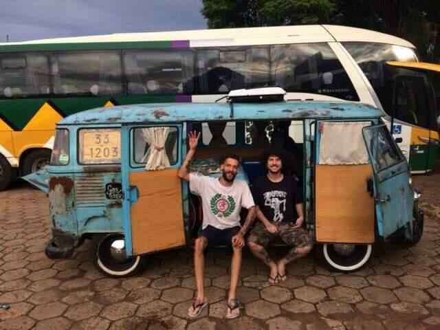 Roger e Felipe já em Dracena. (Foto: Acervo Pessoal)