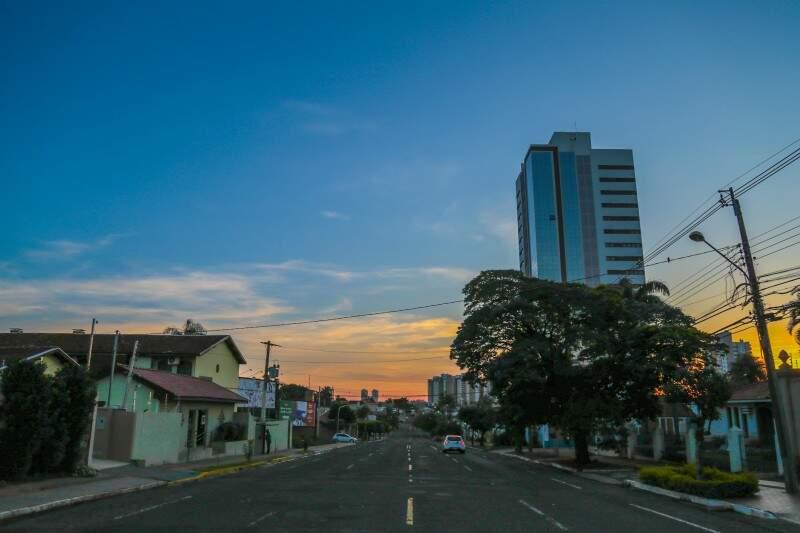 Manhã com céu parcialmente nublado em Campo Grande e mínima de 22ºC. (Foto: Fernando Antunes)