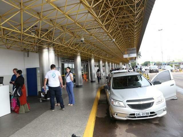 Rodar opera no desembarque do aeroporto desde o início de setembro (Foto: Paulo Francis/Arquivo)