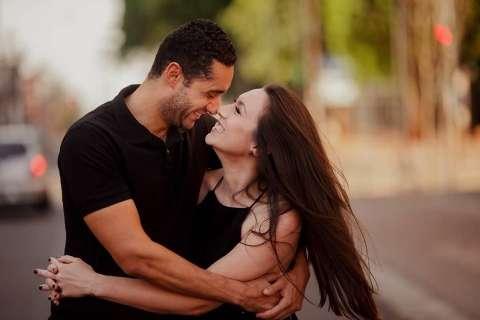 Com noiva apaixonada pelo Centro, 14 de Julho vira cenário para ensaio