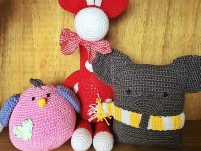 Cheios de charme, amigurumis são ursinhos de pelúcia feitos de crochê. (Foto: Aline Stochi)