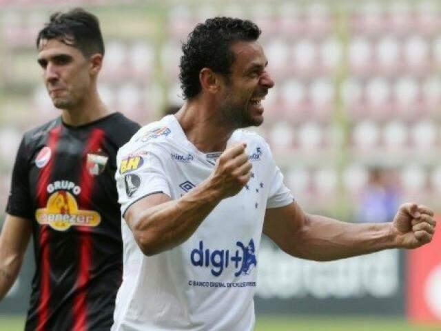 Atacante Fred comemora gol no primeiro tempo (Foto: Divulgação)