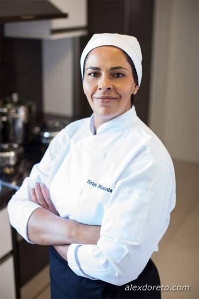 """Em """"Um Jeito Simples de Cozinhar"""", cozinheira ensina de ovo frito à feijoada vegetariana. (Alex Doreto)"""