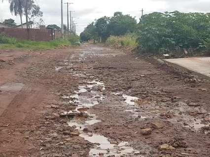 Em tempo de chuva, vias ficam intransitáveis na região da Três Barras