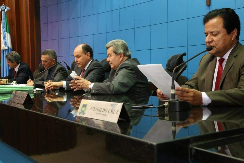 Deputados aprovaram projetos, durante a sessão desta quinta-feira (Foto: Victor Chileno/ALMS)