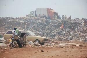 O lixão fica na região Sul de Campo Grande, saída para Sidrolândia. (Foto: arquivo/Pedro Peralta)