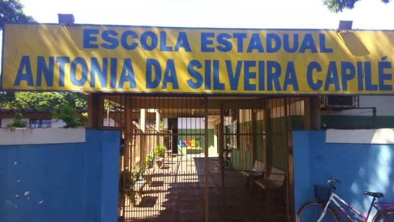 Escola do Jardim Água Boa, em Dourados, fechada em dia de protestos (Foto: Eliel Oliveira)