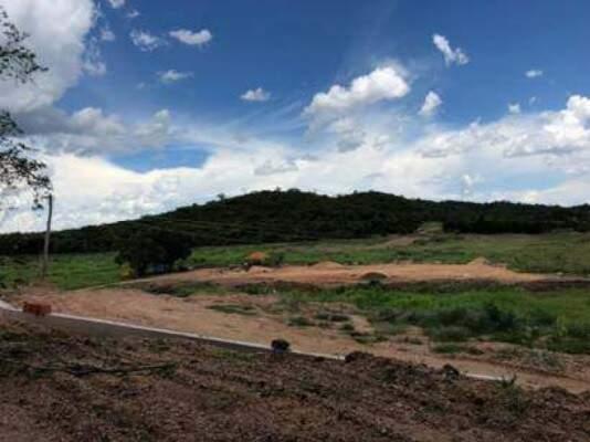 Construção do açude na Fazenda Rio Formoso, em Bonito (Foto: Reprodução)