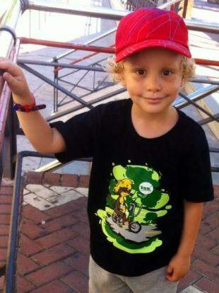 Quati de bicicleta na camiseta infantil. (Foto: Divulgação)