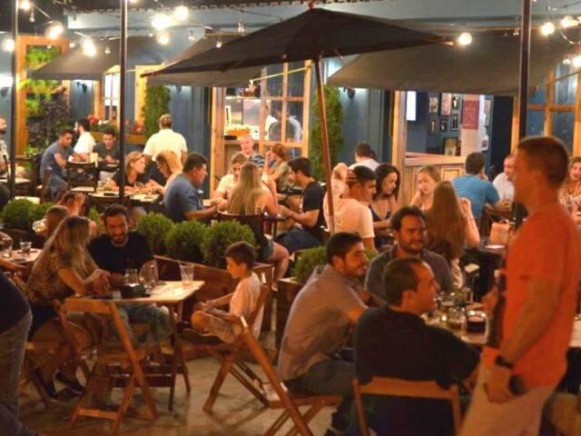 BADA Bar é novo ponto de encontro no Jardim dos Estados. (Foto: Gustavo Maia)