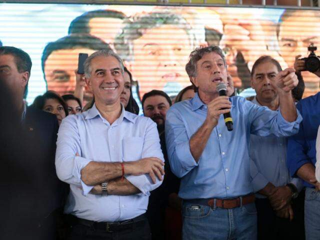 Reinaldo Azambuja (PSDB) ou lado de Murilo Zauith (DEM), durante convenção do PSDB (Foto: Arquivo)