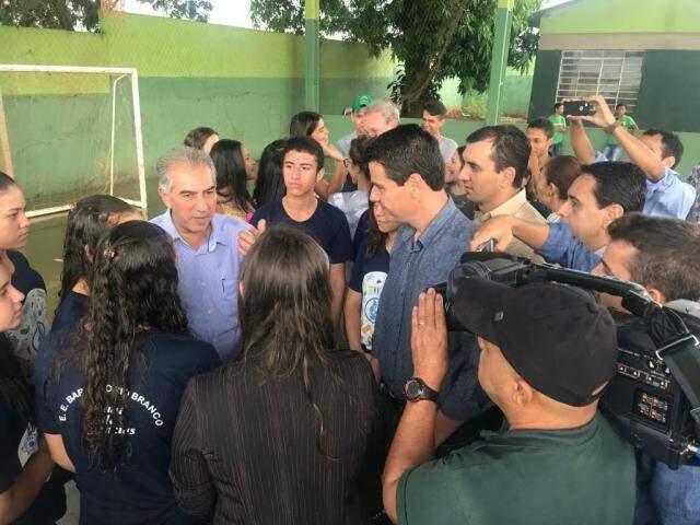 Governador Reinaldo Azambuja entrega e vistoria obras hoje em Douradina e Itaporã (Foto: Divulgação)