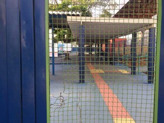 Como previsto, portões foram fechados às 7h45min no horário de Mato Grosso do Sul (Foto: Aletheya Alves)