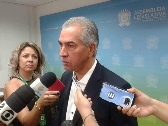 Reinaldo Azambuja afirma que haverá novo regramento para proteger rios de beleza natural. (Foto: Leonardo Rocha)