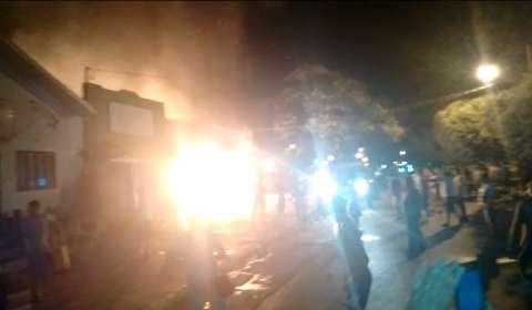 Sem Bombeiros na cidade, pizzaria queimou por 50 minutos em Bonito