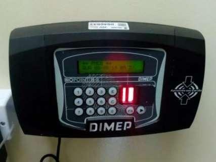 Prefeitura enfrenta revolta contra ponto eletrônico nas unidades de saúde