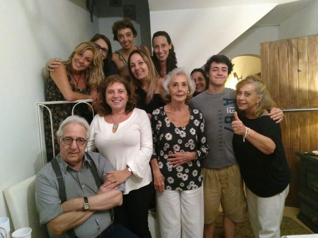 Pedro com a família reunida.