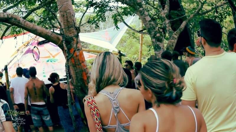 Dj campo-grandense organiza excursão para rave de quatro dias na Chapada dos Guimarães