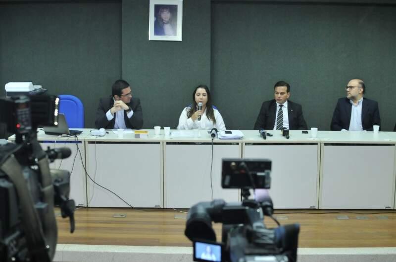Ministério Público divulgou dados sobre aterro em coletiva na quinta-feira. (Foto: Alcides Neto)