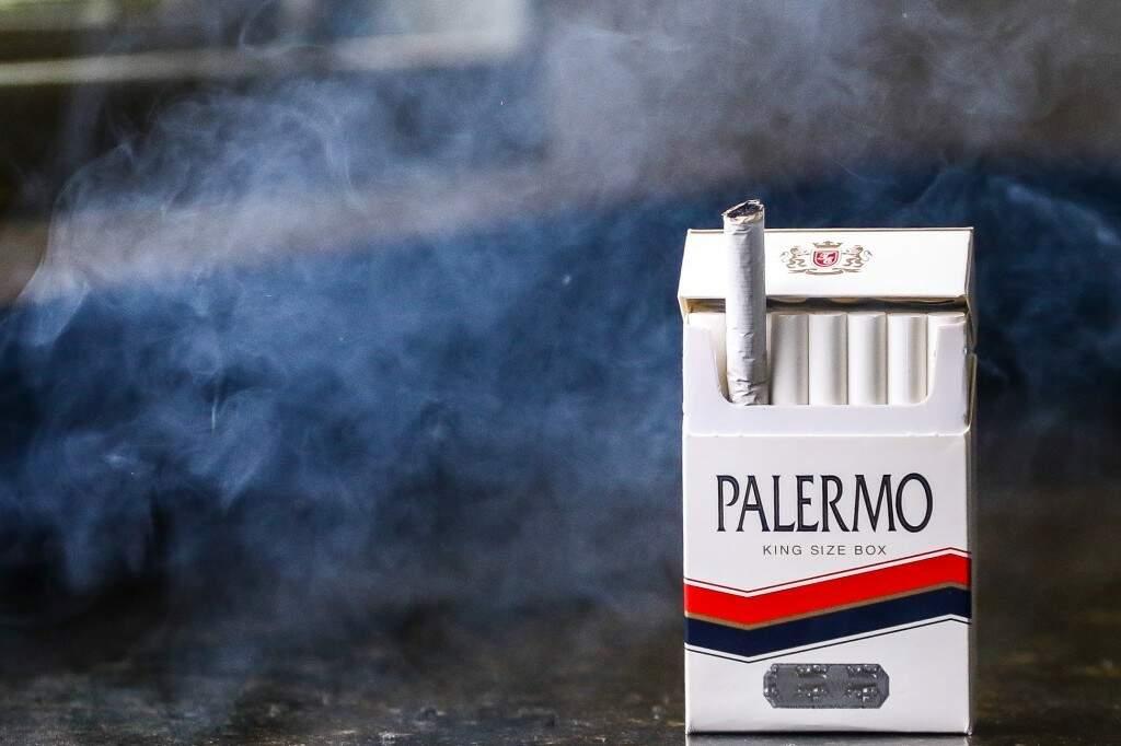 Cigarros são trazidos do Paraguai para o Brasil; (Foto: André Bittar/Arquivo)