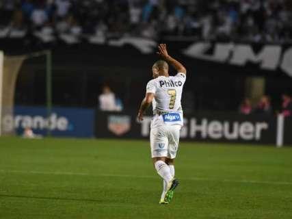 Em jogo tumultuado, Santos empata com Independiente e está fora da Libertadores