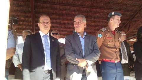 Abono de R$ 200 representa 10% de aumento a 70% da folha, diz Reinaldo