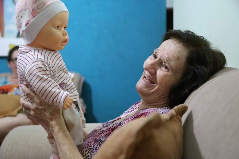 Érica, a filha que Vileda adotou depois do Alzheimer. (Foto: Fernando Antunes)