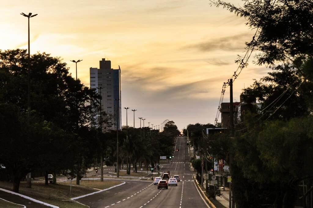 Tempo amanheceu claro e com céu aberto em Campo Grande (Marina Pacheco)