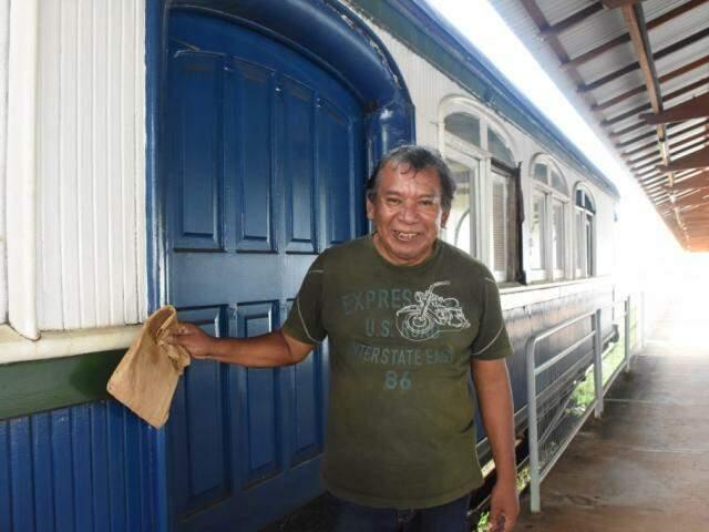 """Gidson, terena que foi veterano do astronauta Marcos Pontes na """"escolinha da ferroviária"""" (Foto: Roberto Higa)"""