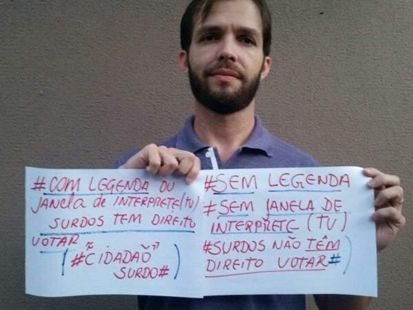 Adriano pede por legendas ou intérpretes em entrevistas e debates (Foto: Arquivo Pessoal)