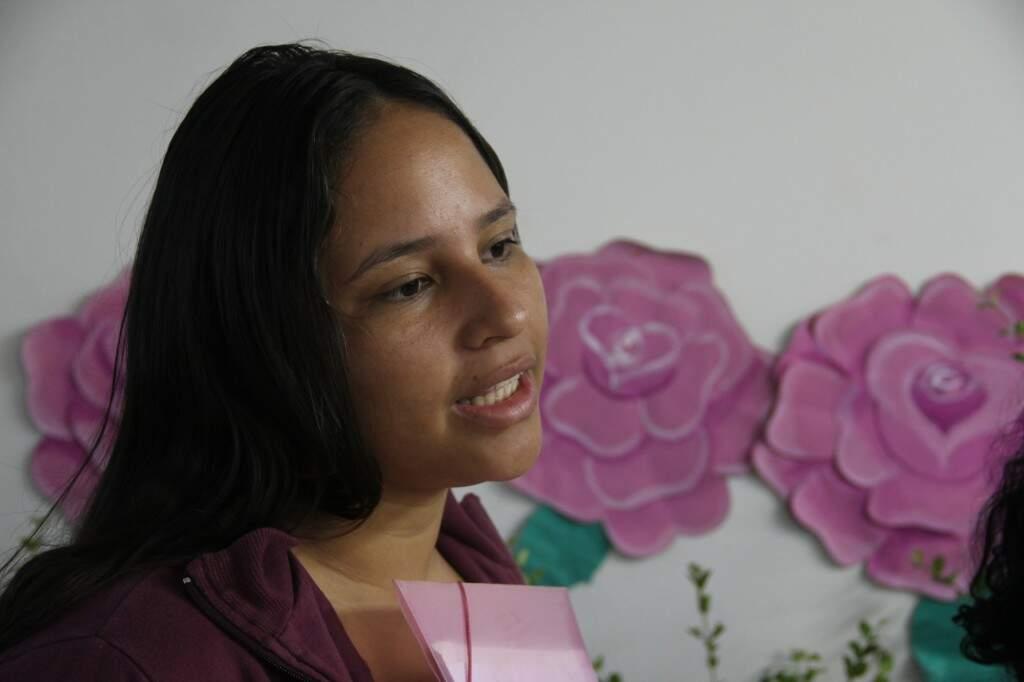 Aline da Silva Afonso, 18 anos (Foto: Marcos Ermínio)