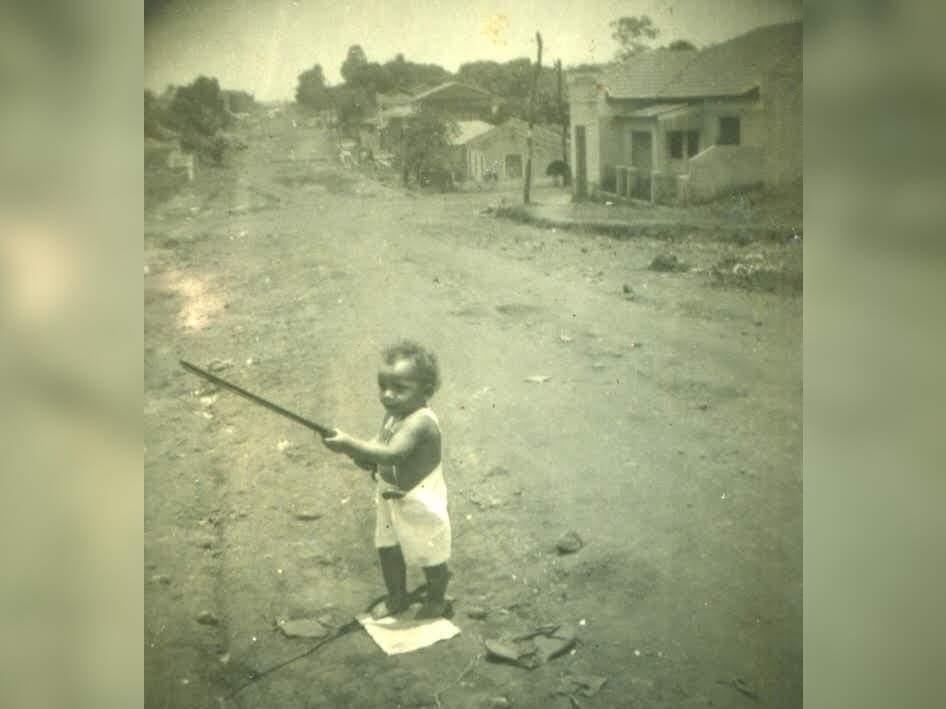 Na foto, José Neves Mendonça com dois anos de vida, na Rua Padre João Crippa.