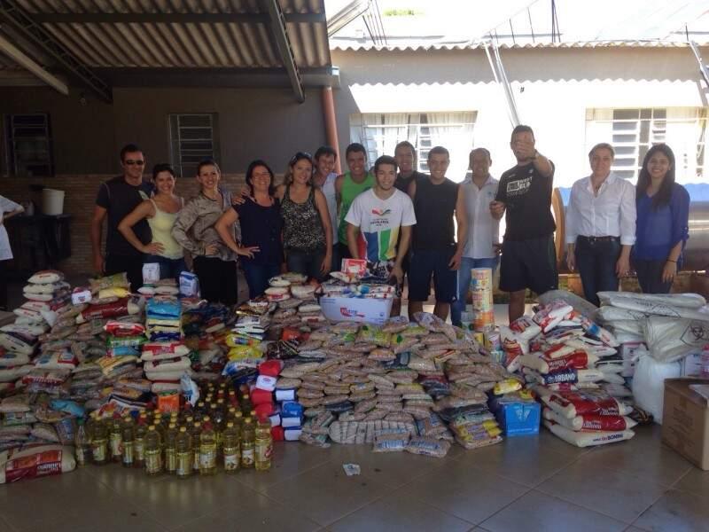 Alimentos foram entregues na tarde hoje no Asilo.
