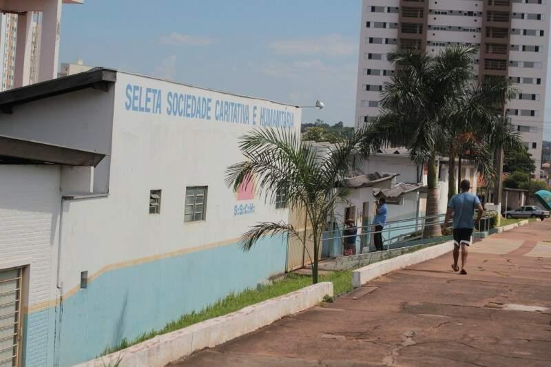 Seleta Sociedade Caritativa e Humanitária, na Capital. (Foto: Marcos Ermínio)