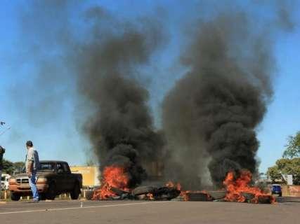 Protestos bloqueiam sete pontos de rodovias em MS, cinco na BR-163
