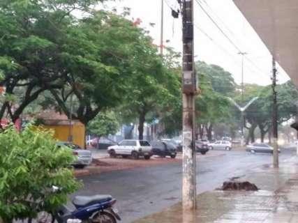 Chuva traz alívio após estiagem de 22 dias em Dourados e região