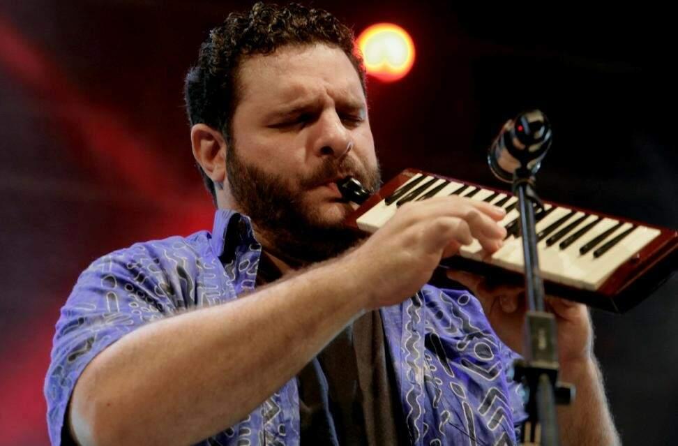 O Bluesman se apresenta nesta sexta no Sesc Morada dos Baís. (Foto: Reprodução Web)