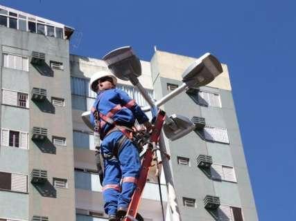 Prefeitura injeta R$ 670 mil em contrato para comprar lâmpadas de LED