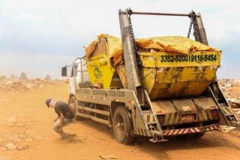 Prefeitura vai pedir liberação de aterro para despejo de 3 mil caçambas