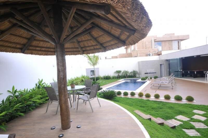 Jardim inclinado criou quiosque que pode virar palco. (Foto: Alcides Neto)