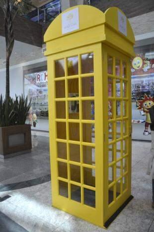 Cabine para gravar mensagem em primeira promoção do Bosque dos Ipês.