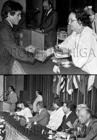 Glorinha durante entrega de troféu na presença do Presidente da FIFA João Havelange, em 1981. (Foto: Roberto Higa)