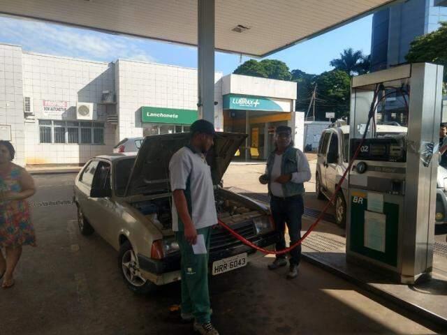 Motorista optou pelo GNV e comemora conversão antes da crise envolvendo os combustíveis (Foto: Liniker Ribeiro)