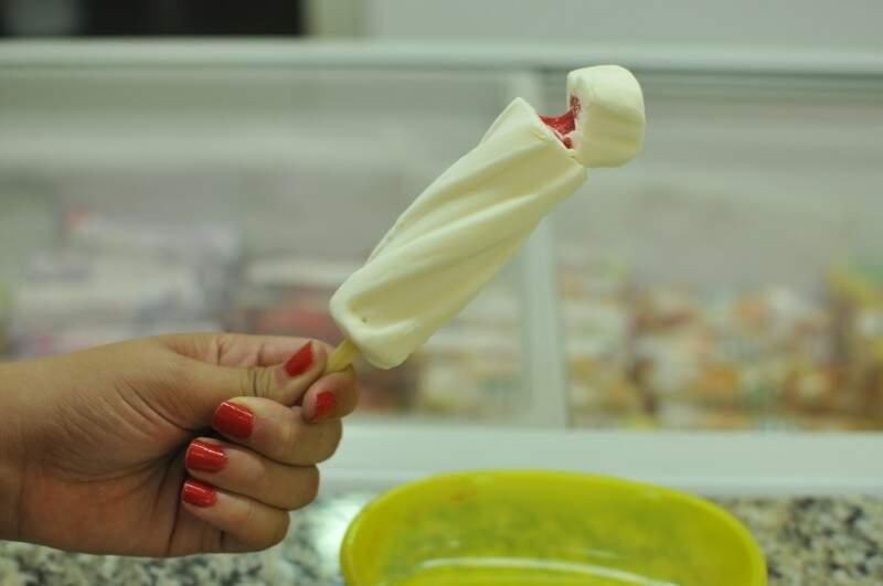 Cupuaçu com recheio de morango. (Foto: Alcides Neto)