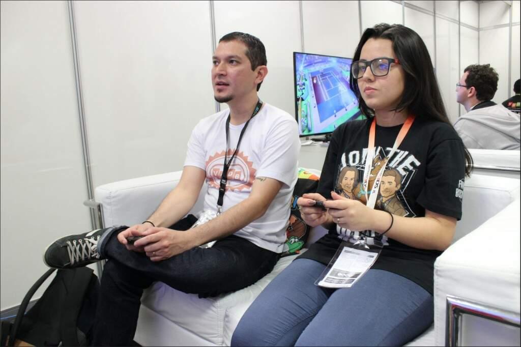 O deslumbre foi instantâneo ao deparar com vários consoles Nintendo Switch ligados e muitos games prontinhos para experimentarmos. (Foto: Jorge Miashike / VGDB)