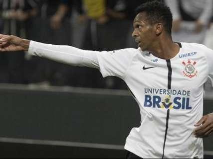 Em partida com duas expulsões, Corinthians bate o Bahia por 3 a 0